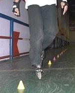 Правильная стойка - свободная нога сзади